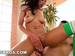 Ebony Chick Anya Ivy Gets Taken 2 Pound Town